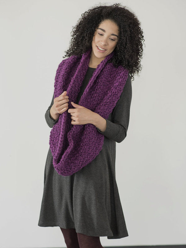 Women's cowl Yura. Free knitting written pattern. 2