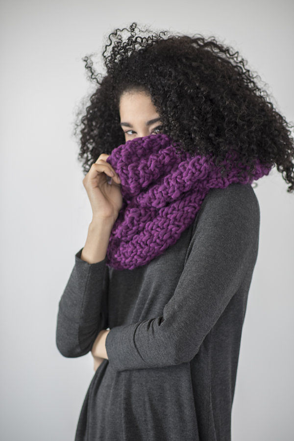 Women's cowl Yura. Free knitting written pattern. 3