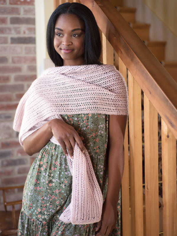 Women's knit scarf Abbott. Free pattern (lace; Shapes: rectangle).