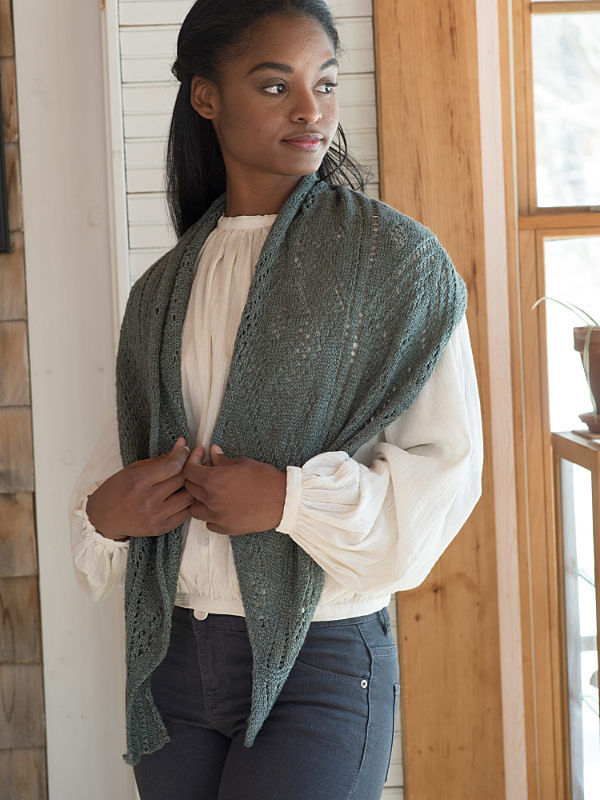 Women's knit shawl Gianna. Free pattern (lace).