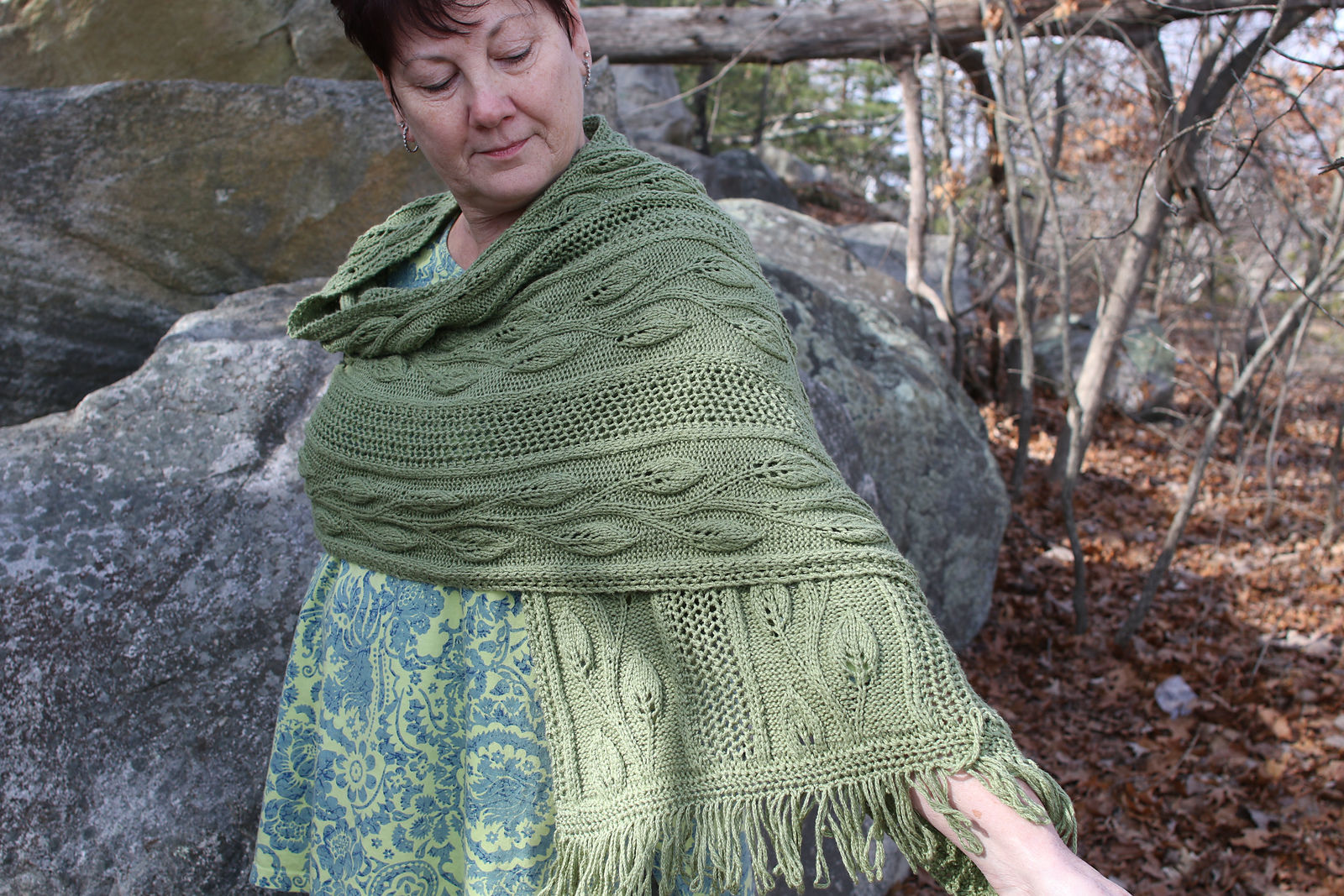 Women's shawl Finally Spring. Free knitting pattern (lace).