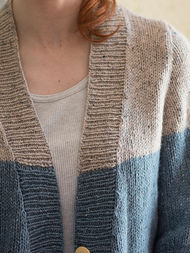 Adults V-neck cardigan Estuary. Free knitting pattern. 4