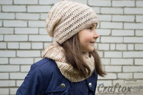 """Cowl and hat set """"Kari"""". Knitting pattern for beginners. Right view."""
