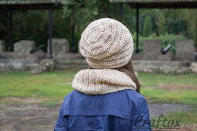 Hat cowl set. Knitting pattern. Back view.