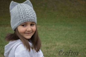 Knit cat ear hat. Free pattern. Front right view.