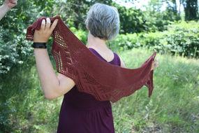 Knitted lace shawl Ceridwen. Free pattern. 2