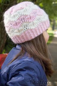 """Marshmallow"" beanie for girls. Free knitting pattern. Pin me."