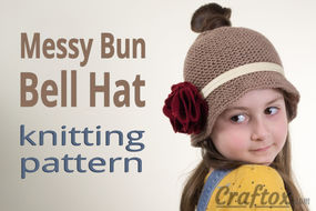 Messy bun hat. Free knitting pattern.
