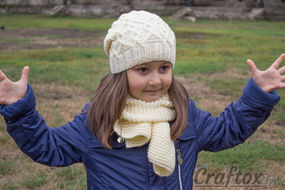 Beanie and scarf set. Free knitting pattern.