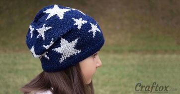 Slouchy beanie with stars. Jacquard knitting pattern