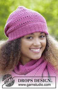 Women's and girls (teen) knit beanie (toque) Very Berry