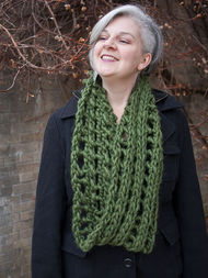 Women's long cowl Hominy. Free knitting pattern (lace, mesh). 3