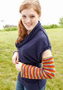 Women's and girls hands Ulster Sleeves. Easy knitting pattern free download.