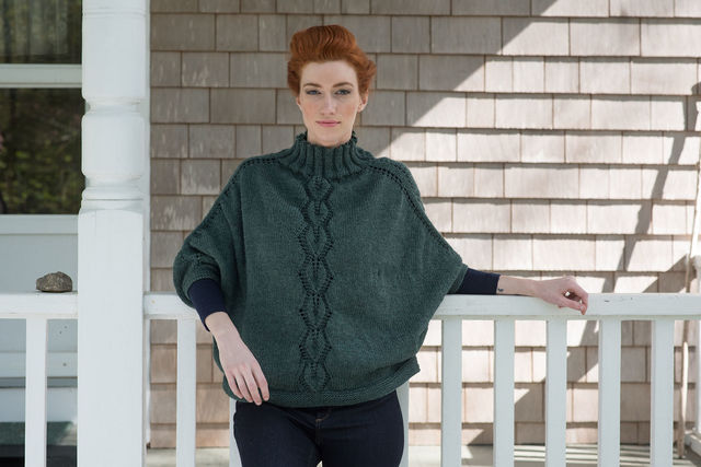 Adults poncho Kombu. Free written pattern for knitting (dolman sleeve).