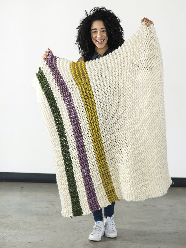 Cozy blanket Aput. Free knitting pattern.