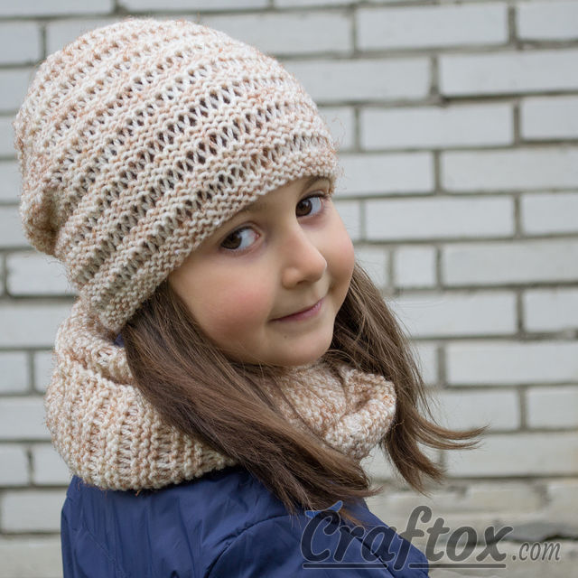 Knitting Patterns For Beginners Beanie : Hat and cowl set