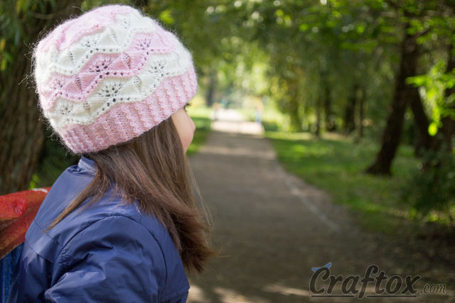 """Marshmallow"" beanie for girls. Free knitting pattern."